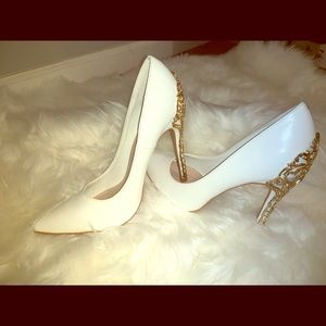 EMBELLISHED STILETTO PUMP